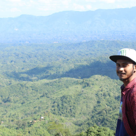 Real Smile with Mountains, Canon EOS KISS X7I, Canon EF-S 18-55mm f/3.5-5.6 IS II