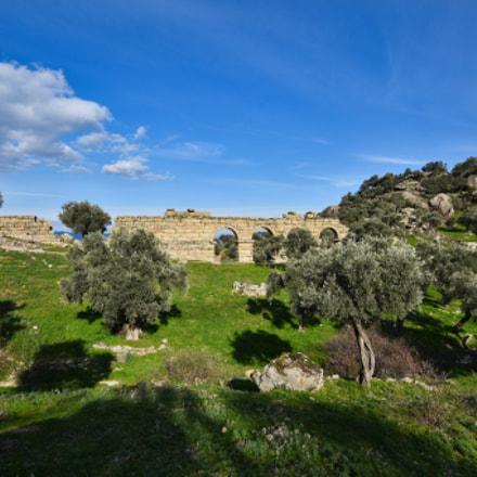 Aqueduct in Alinda