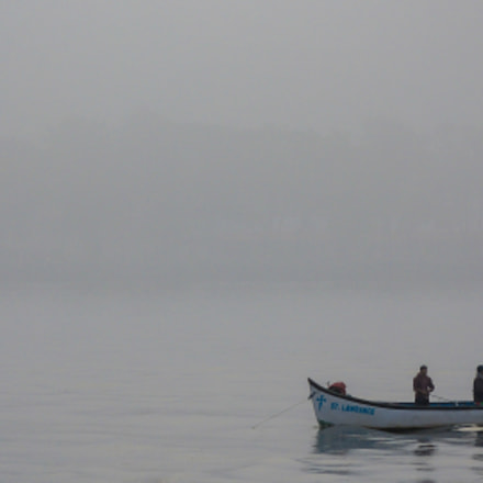 Fishermen in the early, Nikon COOLPIX P7700