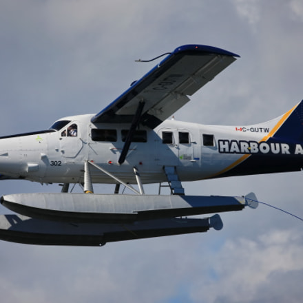 The seaplane,the pilot and, Canon EOS-1DS MARK III, Sigma 150-600mm f/5-6.3 DG OS HSM | C