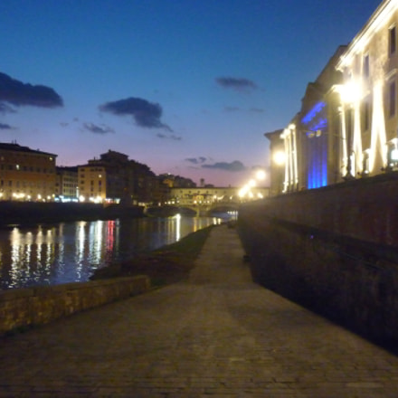 Florence Arno by Night, Panasonic DMC-FS42