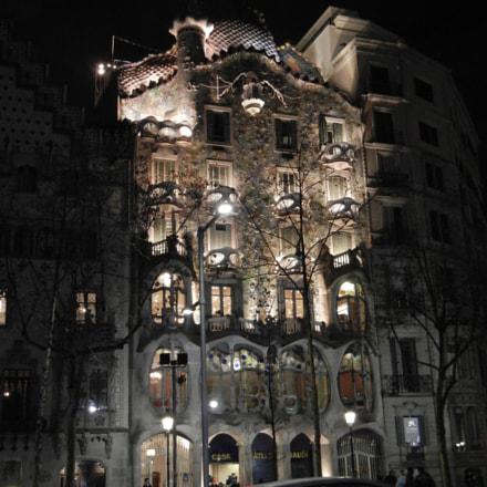 Gaudi's Casa Baylor, Barcelona, Nikon COOLPIX S8100