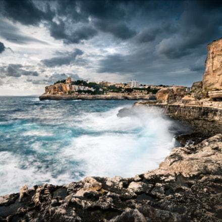 rough sea in Cala Figuera