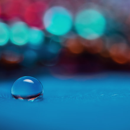 The lonely droplet
