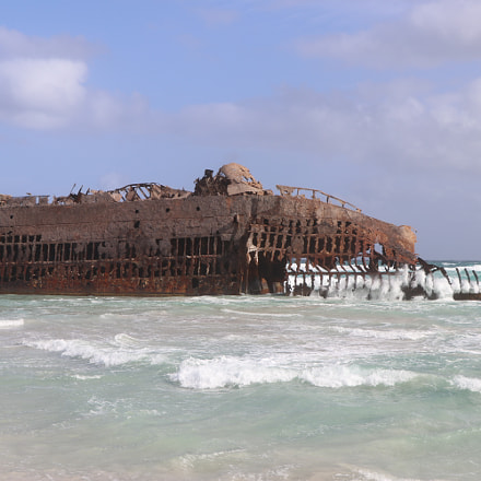 Ship wreck, Cabo Verde, Canon EOS 80D, Canon EF-S 18-135mm f/3.5-5.6 IS USM