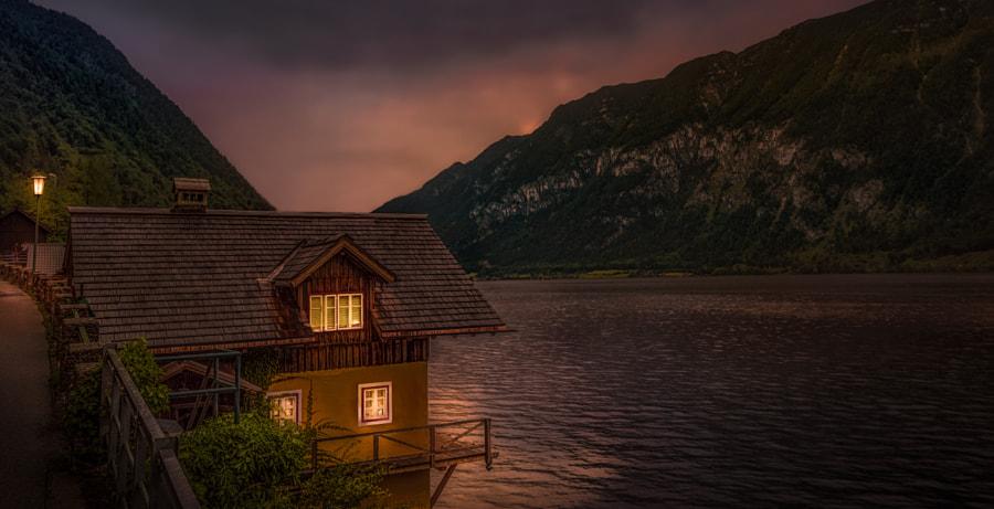 Home by the Lake, автор — Ole Steffensen на 500px.com