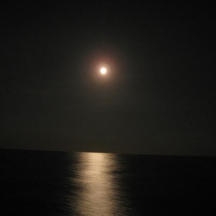 Moon on Horizon of, Canon POWERSHOT A580