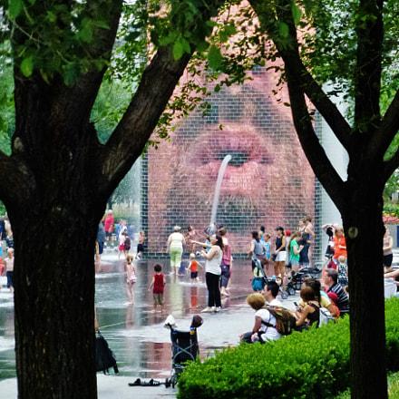Crown Fountain, Panasonic DMC-ZS10
