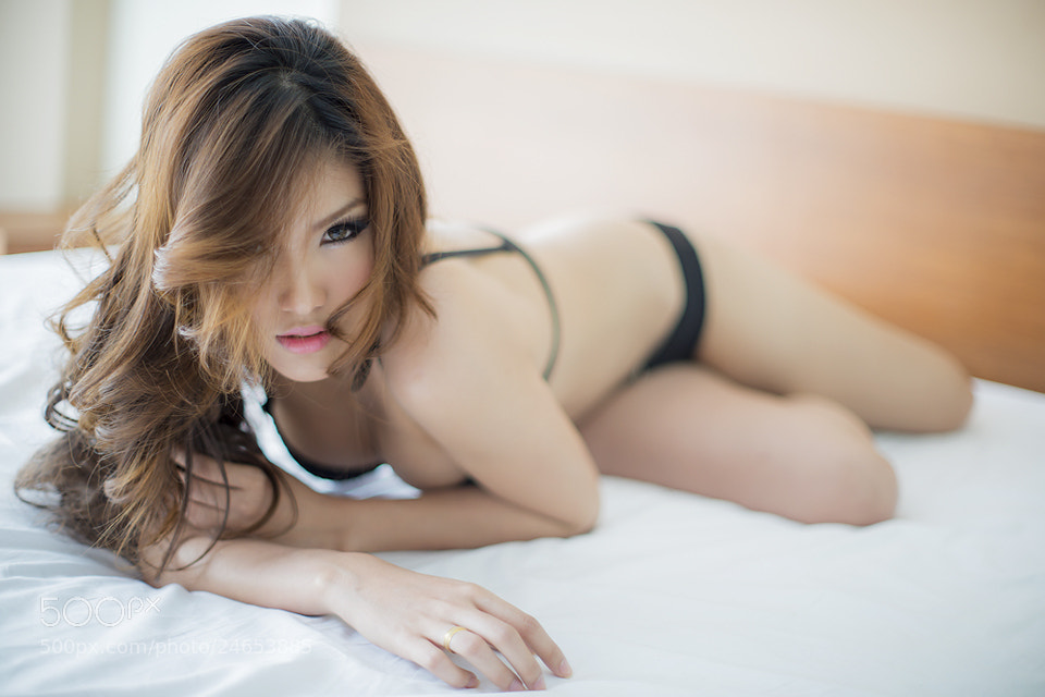 Photograph On da bed by Sira Boonyapakdee on 500px