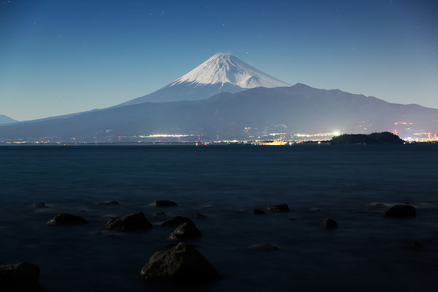 This place is Suruga Bay and south side of Mt.Fuji. I took this image by only moonlight. (taken at 3:59 AM)