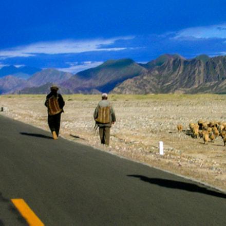 High Road in Tibet, Nikon E3700