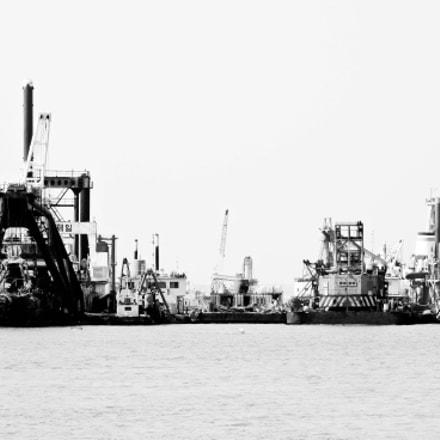 Ships, Nikon COOLPIX P7700