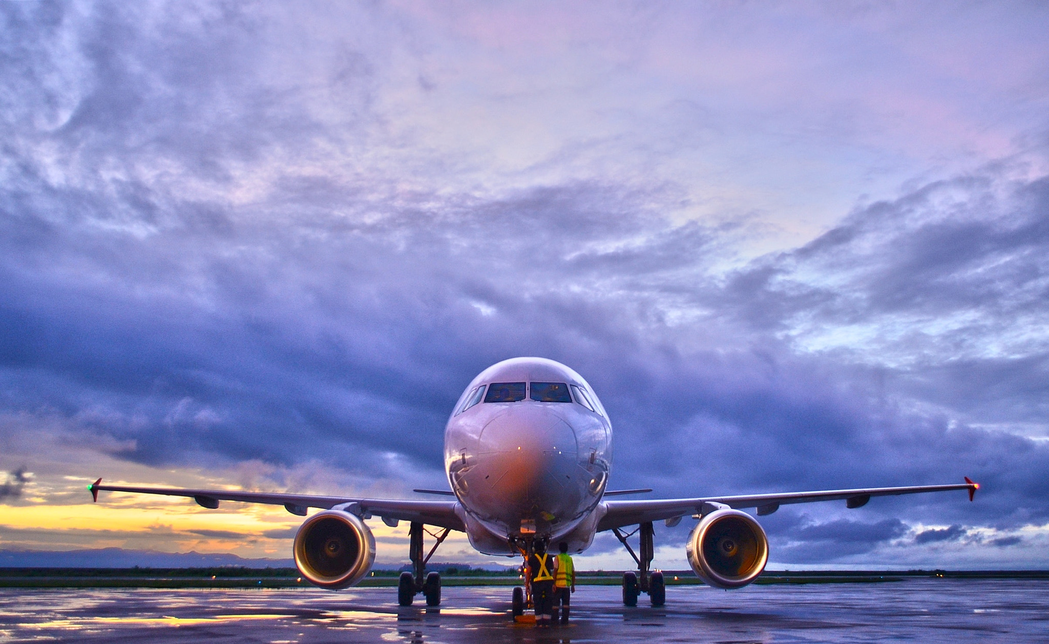 Photograph Airbus A220 by Vey Telmo on 500px