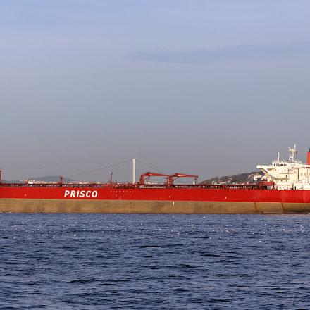 Bosphorus. Oil Tanker Prisco, Canon EOS 550D, Sigma 50-200mm f/4-5.6 DC OS HSM