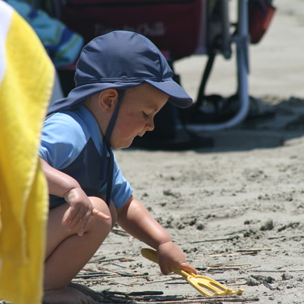 Playing In The Sand, Canon EOS DIGITAL REBEL XTI, Canon EF 75-300mm f/4-5.6
