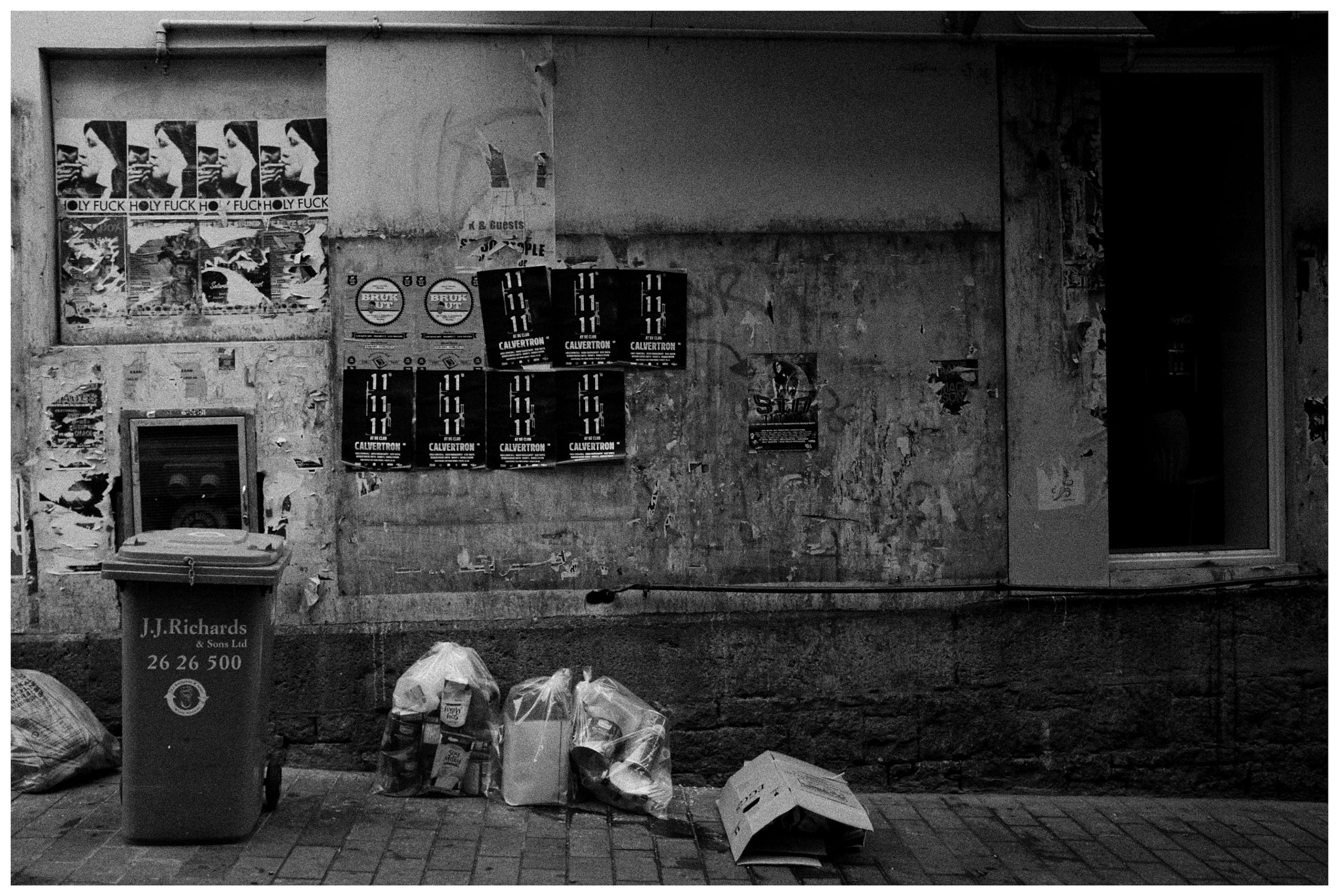 Photograph Alleyside by Cacophony L on 500px