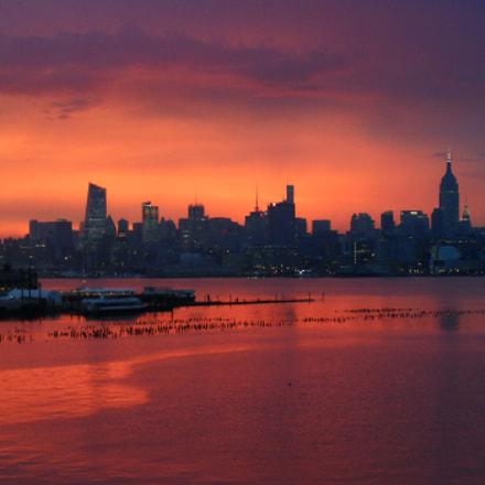 Manhattan Sunrise, Nikon COOLPIX S3500