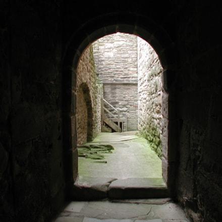 Old Castle passageway, Nikon E990