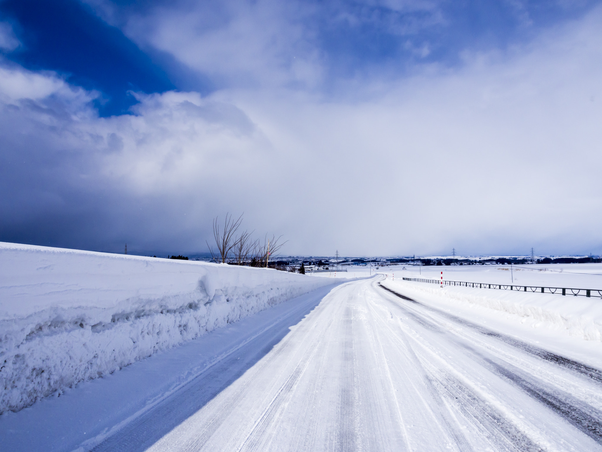 Photograph Winter road by Ryota Suto on 500px