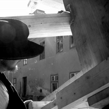 the carpenter, Fujifilm FinePix S2500HD