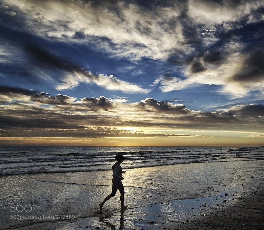 Photograph running by Juan Antonio Santana on 500px