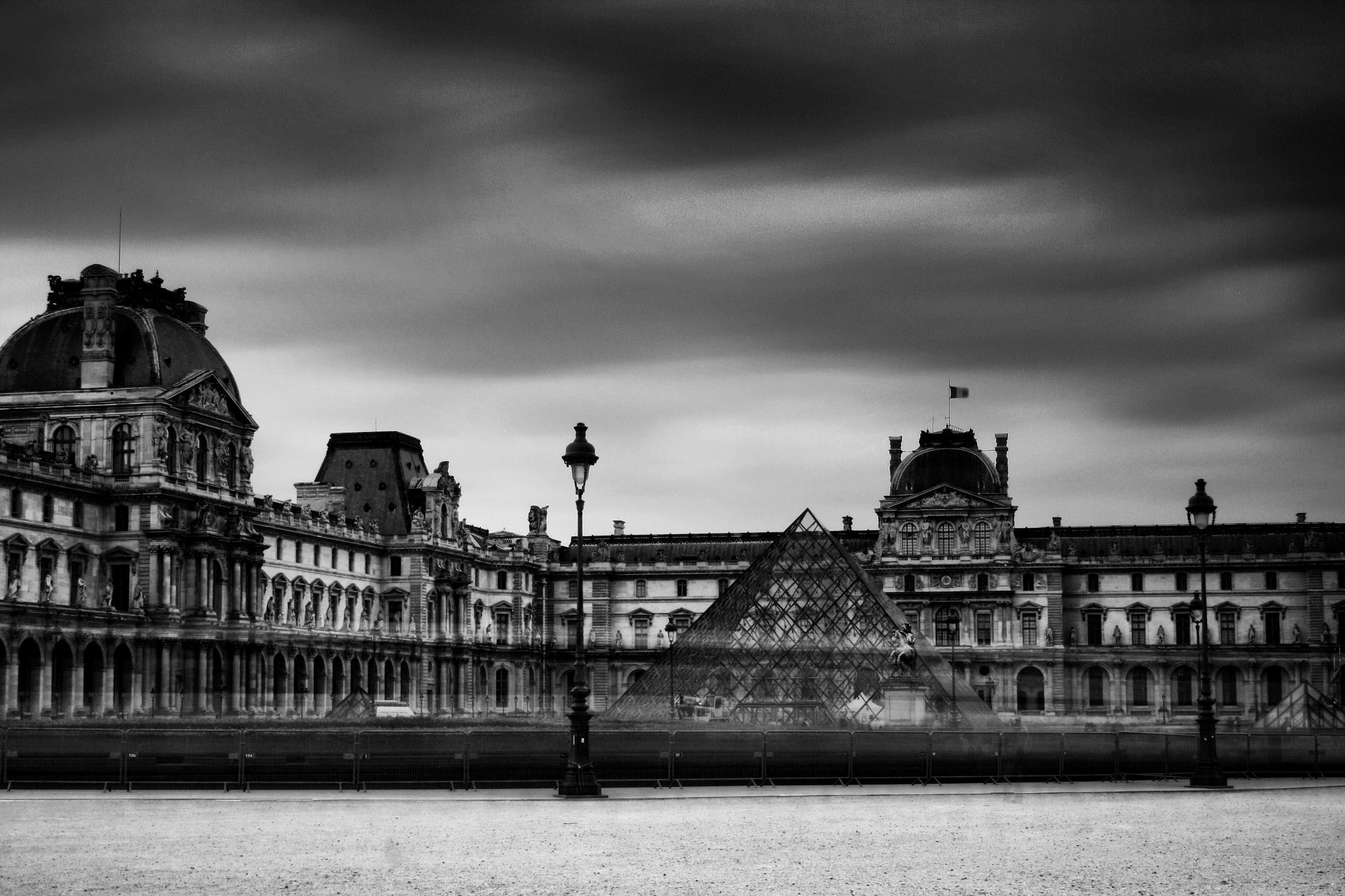 Photograph Le Louvre by Jurjen Harmsma on 500px