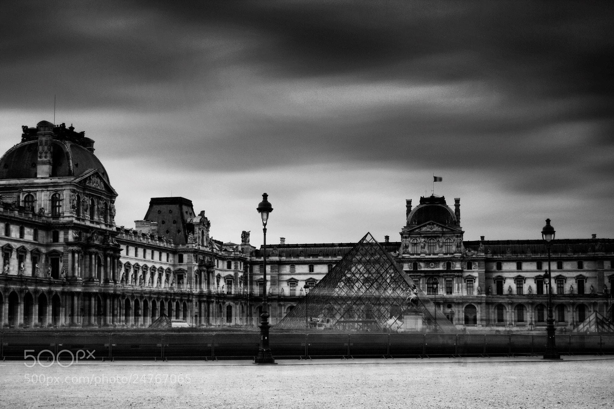 Photograph Le Louvre by Jurjen Harmsma on 500px