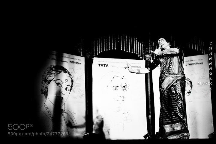 Photograph dr. Vyjayanthimala Bali - Bharatanatyam by Mayur Channagere on 500px