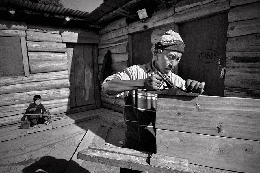 Photograph the carpenter   pelling by Soumya Bandyopadhyay on 500px