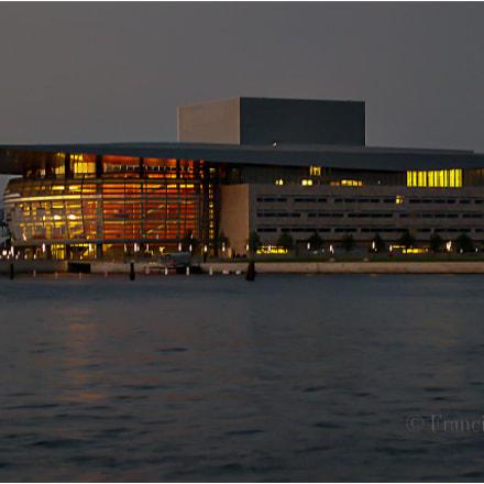 Ópera de Copenhague, Nikon E4300