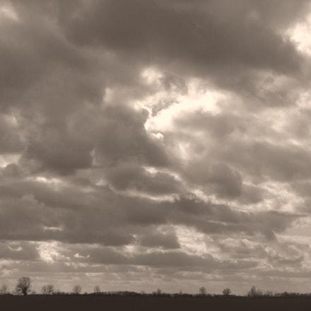 Fenland cloudscape B&W, Nikon COOLPIX S3400