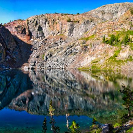 Ansel Adams Lake, Nikon E8700