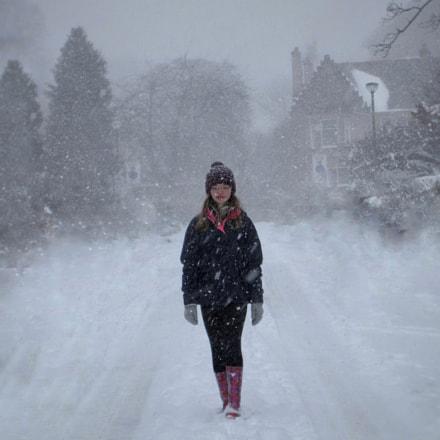 Through the snow, Canon IXUS 285 HS