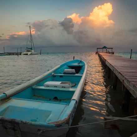 Belize Longboat