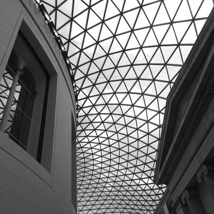 British Museum, London, Canon IXUS 275 HS