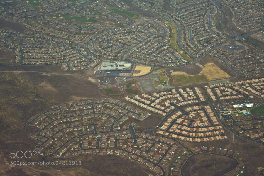 The suburban sprawl flying into Las Vegas.