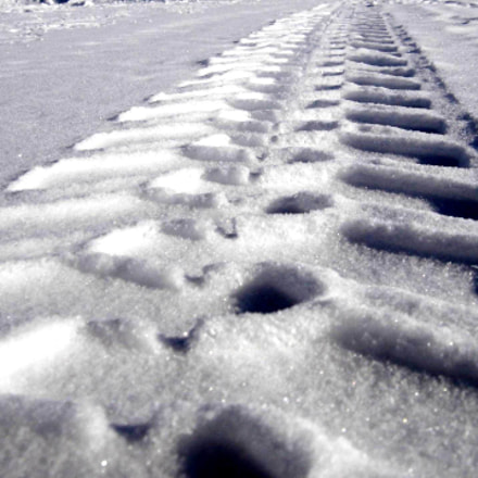 Traces on the snow, Sony DSC-P93