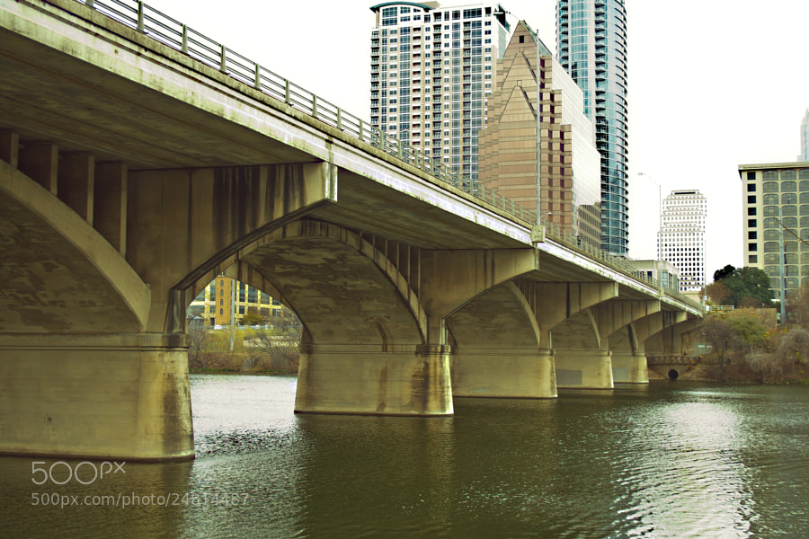 A bridge in Austin, Texas that crosses the river heading into downtown.