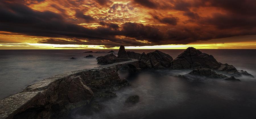 Suspiros de un amanecer rojo ... by Alfredo Baño on 500px.com