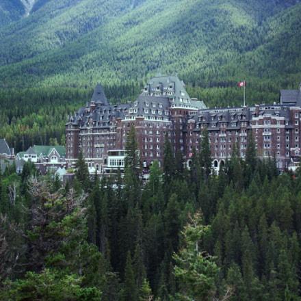 Banff Springs Hotel, Banff, Fujifilm FinePix S1800