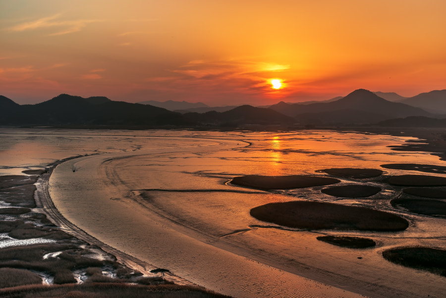 S Line Waterway by Jeongki Kim on 500px.com