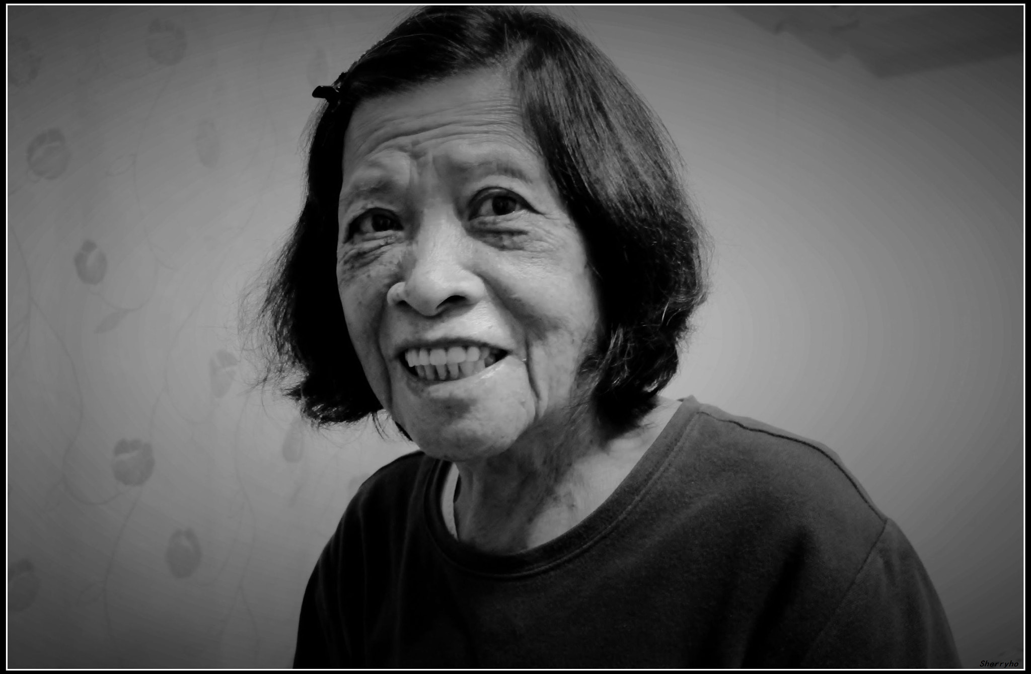 Photograph My 84 years old grandmother smiled happily by Pei Ling Ho on 500px