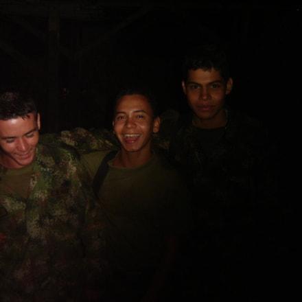 Colombian Combat Kids, Sony DSC-P73