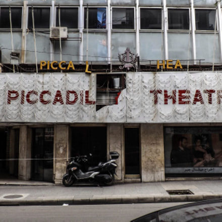 The Piccadilly Theatre, Fujifilm FinePix SL310