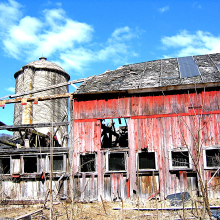 Old Red Barn, Canon POWERSHOT S50
