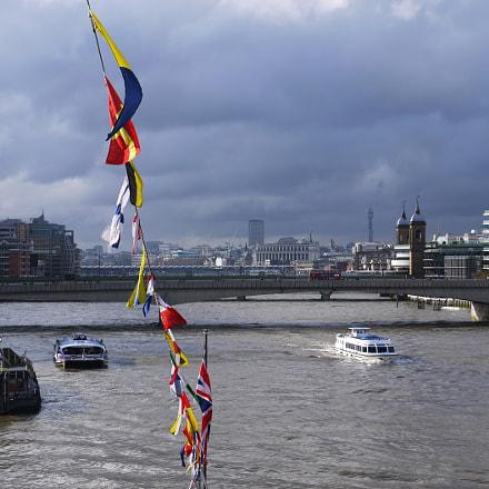 The Thames, London, Panasonic DMC-GF3, IO 14-42mm F3.5-5.6