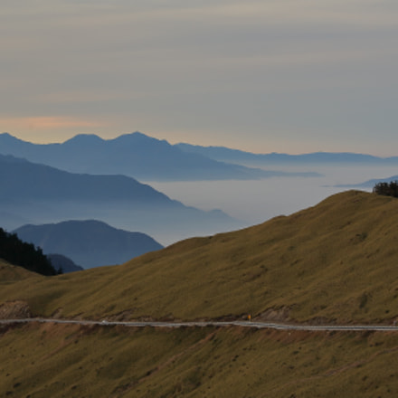 Road on the mountain, Canon EOS 5D, Canon EF 80-200mm f/2.8L