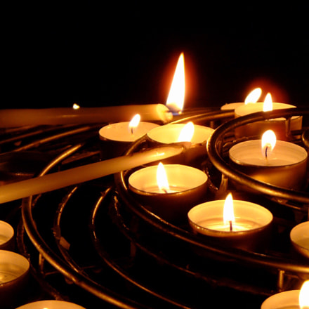 Church Remembrance Candles, Fujifilm FinePix F601 ZOOM