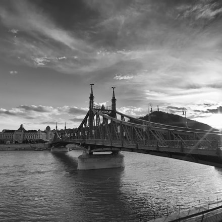 Freedom Bridge, Canon EOS 5D MARK II, Sigma 17-35mm f/2.8-4 EX DG Aspherical HSM