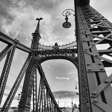 Budapest Freedom Bridge, Canon EOS 5D MARK II, Sigma 17-35mm f/2.8-4 EX DG Aspherical HSM